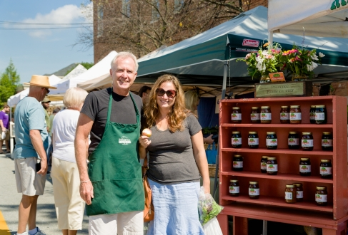 Farmers Market in CT with Alan from Ridgefield Farms